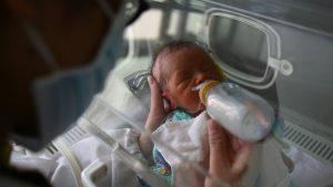 الاختبارات السريعة للجينوم تقوم بتشخيص أخطر الأمراض عند الأطفال في الوقت المناسب لإنقاذهم