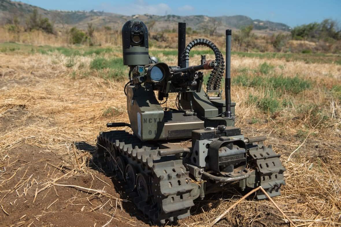 لماذا ينبغي على باحثي الذكاء الاصطناعي ألا يُديروا ظهورهم للقطاع العسكري؟