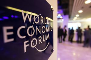 من دافوس: توقيع اتفاقية لافتتاح مركز للثورة الصناعية الرابعة في دبي