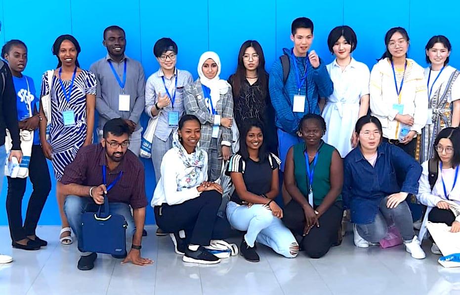 طالبات من جامعة زايد يحصدن الجائزة الأولى في المؤتمر الدولي حول الاستدامة والبيئة