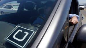 أوبر ستستخدم حساسات الهواتف للتحقق مما إذا توقفت السيارة فجأة