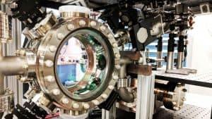 كيف يمكن للذرات المتجمدة أن تساعدنا على تعلم المزيد من الأمواج الثقالية؟