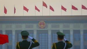 الصين قد تتفوق على الولايات المتحدة في الإنفاق على الذكاء الاصطناعي، ولكن ليس في المجال العسكري
