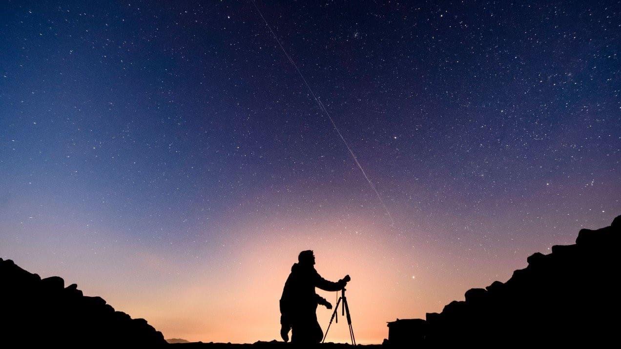 سبيس إكس ستُجري اختبارات لتخفيف لمعان أقمار ستارلينك الاصطناعية استرضاءً للفلكيين الغاضبين