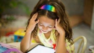 هل يمكن للأجهزة اللوحية أن تساعد الأطفال على تعلّم القراءة؟
