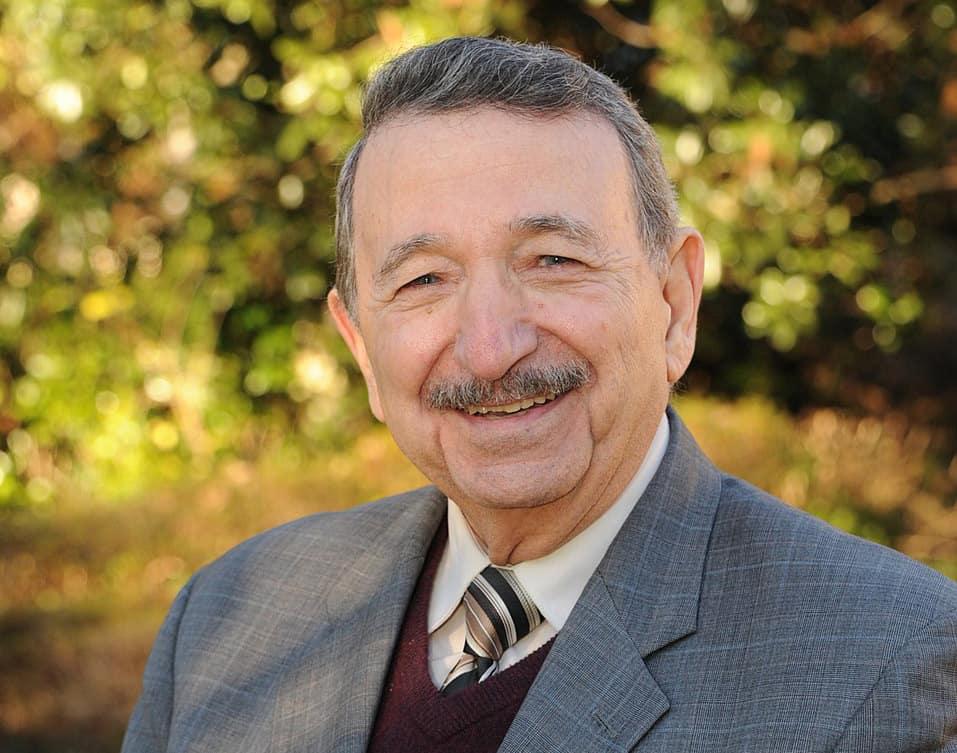 تعرّف على عالم الكيمياء المصري الأميركي مصطفى السيّد ومساعيه لعلاج السرطان