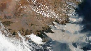صورة من أحد أقمار ناسا الاصطناعية تبين امتداد حرائق أستراليا البرية المدمرة