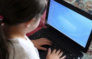 مايكروسوفت تبني أداة لتعقب المعتدين على الأطفال على الإنترنت
