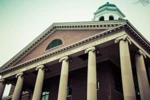 اعتقال عالم كيمياء رائد في جامعة هارفارد لكذبه بشأن دفعات مالية سرّية أخذها من الصين