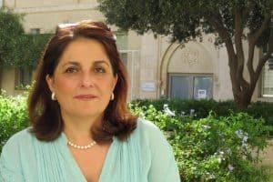 الأستاذة الدكتورة اللبنانية عبلة سباعي تفوز بجائزة لوريال-يونسكو للمرأة في العلوم