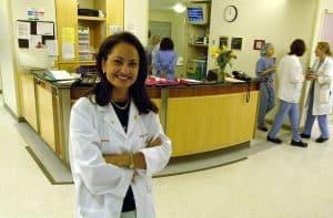 تعرّف على الدكتورة السودانية الأميركية نوال نور ومساعيها لمواجهة ختان الإناث