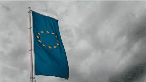 الاتحاد الأوروبي یصدر خطة باھتة لتنظیم الذكاء الاصطناعي
