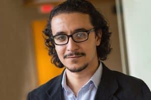 تعرف على الباحث المصري أحمد رجب ودوره في توضيح علاقة الدين بالرعاية الصحية