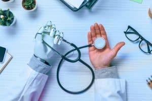 هل سيحلّ الذكاء الاصطناعي مكان الأطباء؟