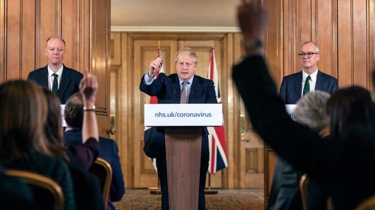 مواجهة فيروس كورونا: المملكة المتحدة تسعى جاهدة لتصحيح إستراتيجيتها