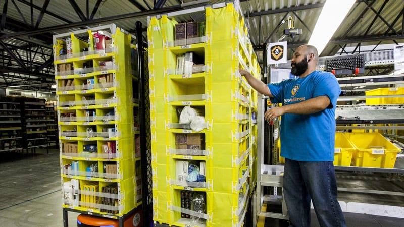 أمازون توظف 100 ألف عامل جديد لتغطية الارتفاع الكبير في الطلب جراء تفشي فيروس كورونا
