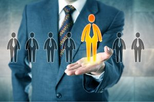 كيف يمكن للشركات النهوض بمهارات الموظفين لبناء عالمٍ رقمي داخلها؟