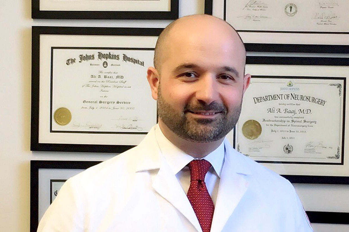 تعرف على الجراح السوري الأميركي علي بعاج وإسهاماته في الجراحة العصبية والعظمية