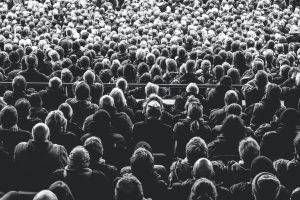 لماذا لا يمكننا ببساطة انتظار ظهور المناعة الجماعية ضد كوفيد-19