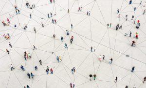دراسة من هارفارد: قد يلزم الابتعاد الاجتماعي حتى 2022