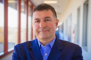 تعرّف على العالم اللبناني الأميركي غابرييل ربيز ودوره الرائد في مجال الاتصالات الراديوية
