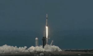 للمرة الأولى: رائدا فضاء من ناسا يحلقان إلى المدار على متن مركبة كرو دراجون من سبيس إكس