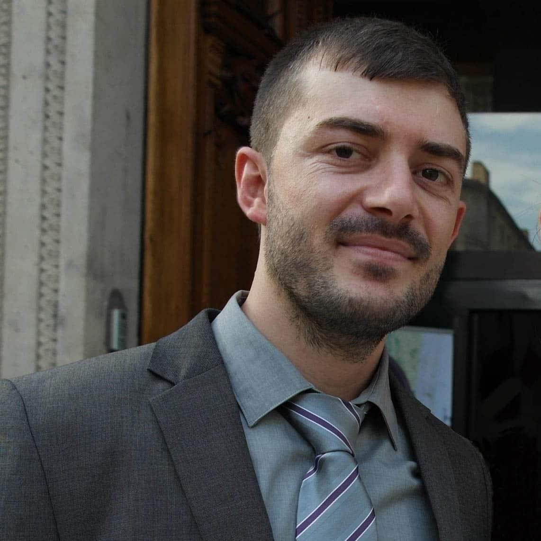 وسام شاهين