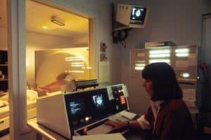 الذكاء الاصطناعي قد يؤدي لأخطاء كارثية في التشخيص الطبي الشعاعي