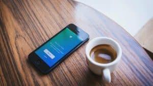 تويتر تحث المستخدمين على قراءة المقالات قبل إعادة تغريدها
