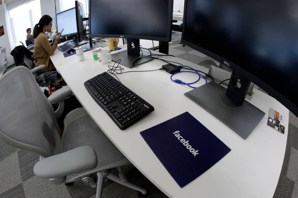 تقرير جديد: فيسبوك تحتاج إلى 30,000 موظف داخلي لمراقبة المحتوى