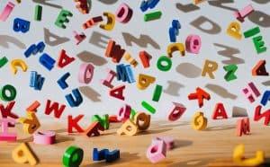 نتائج تجربة مولد اللغة الجديد جي بي تي-3 من أوبن إيه آي تُظهر أنه جيد إلى حد مذهل