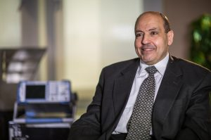 تعرف على المصري محمد سند ودوره الريادي والمبتكر في تطوير الهواتف النقالة