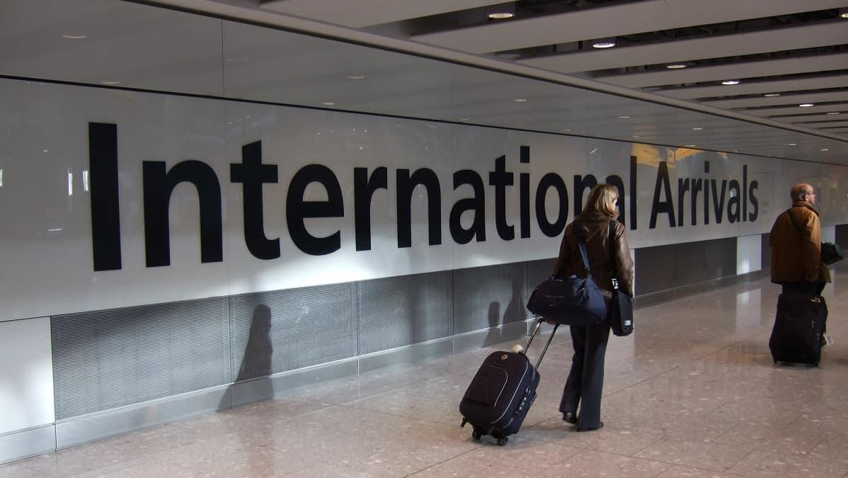 المملكة المتحدة تتخلى عن خوارزمية الهجرة بعد اتهامها بالتحيز العنصري