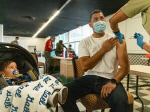 إرشادات المراكز الأميركية للسيطرة على الأمراض حول ما يمكن فعله بعد أخذ لقاح كورونا