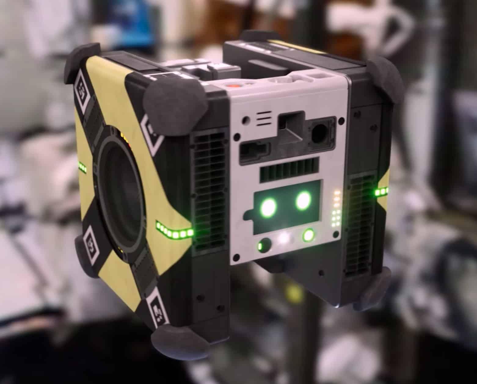 روبوت أستروبي على محطة الفضاء الدولية