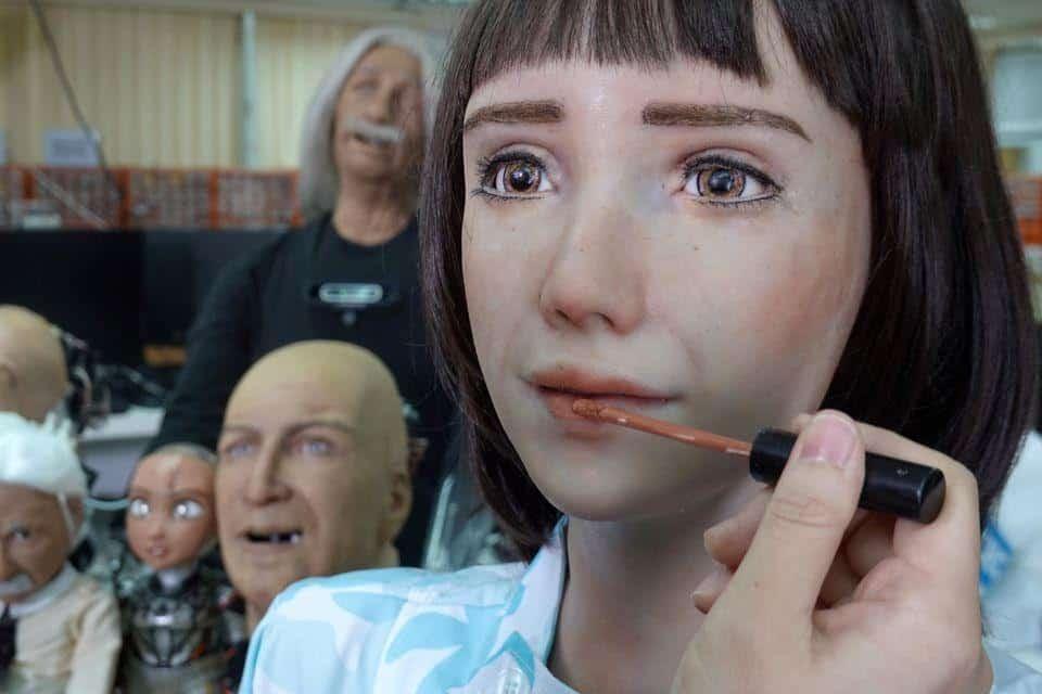 الروبوت الممرضة جرايس
