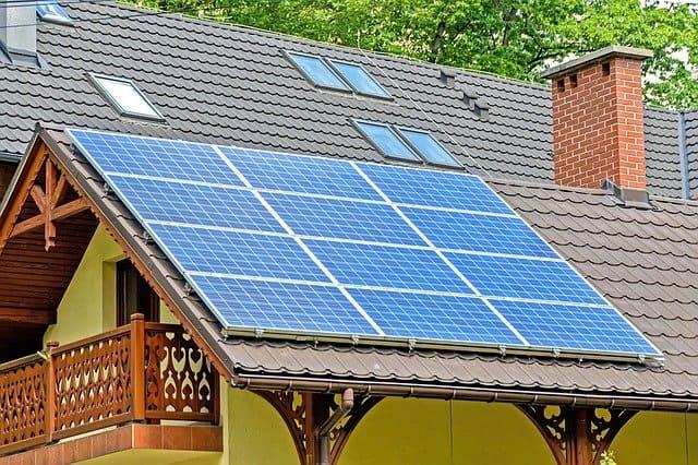 منزل بالطاقة الشمسية