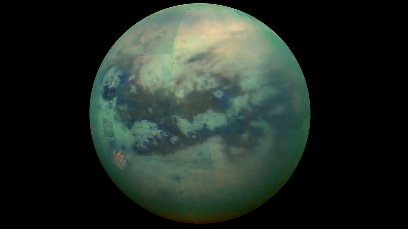 قمر المشتري تيتان