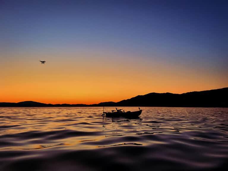 أنظمة التحكم على متن قارب صيد